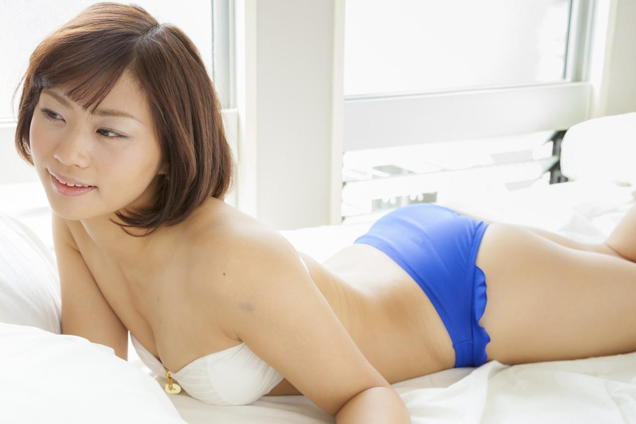 安枝瞳グラビア写真32