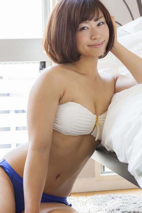 安枝瞳グラビア写真13