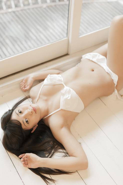 大貫彩香グラビア写真24