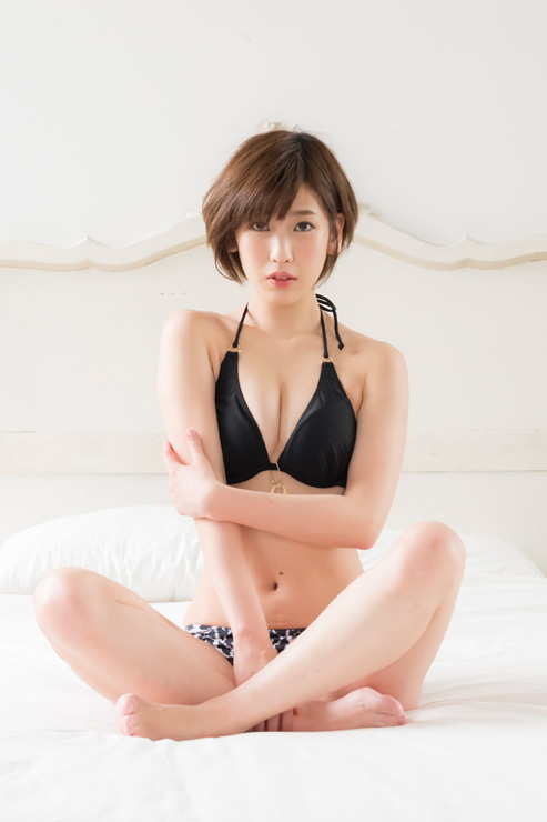 夏目花実グラビア写真1