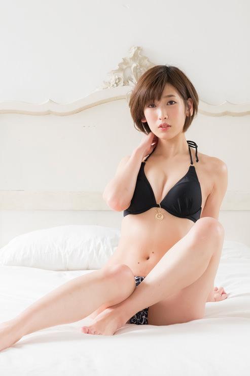 夏目花実グラビア写真2