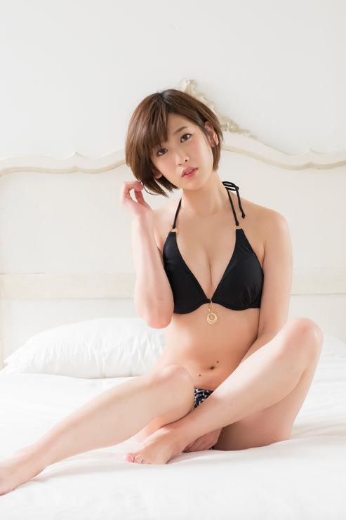 夏目花実グラビア写真3